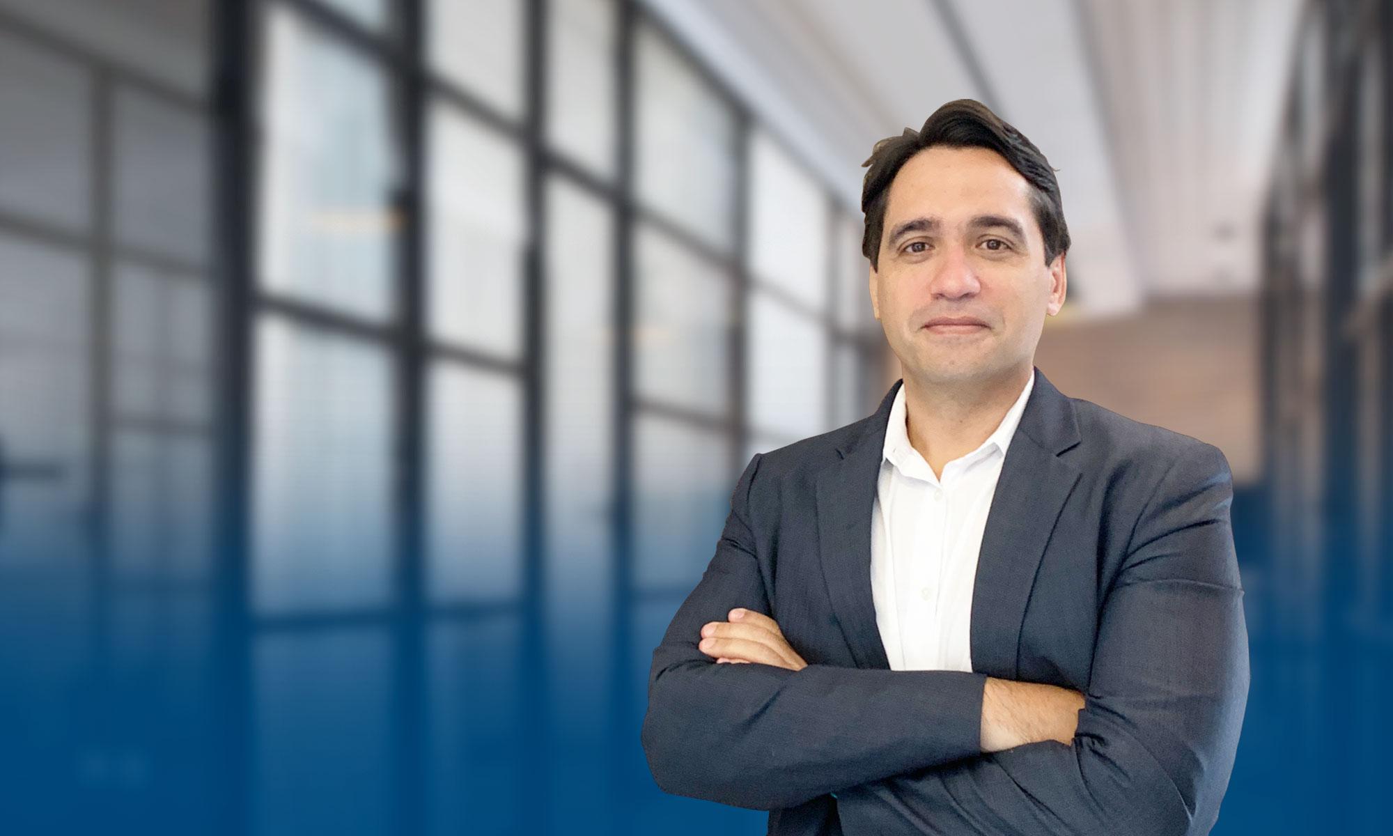 Dr. Carlos Romeiro